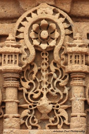 Carvings at the Entrance :urtesey: Adalaj Vav