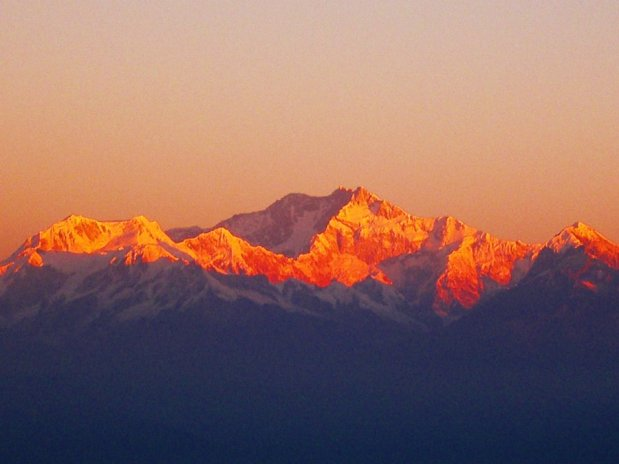 Sunrise at Kanchenjungha